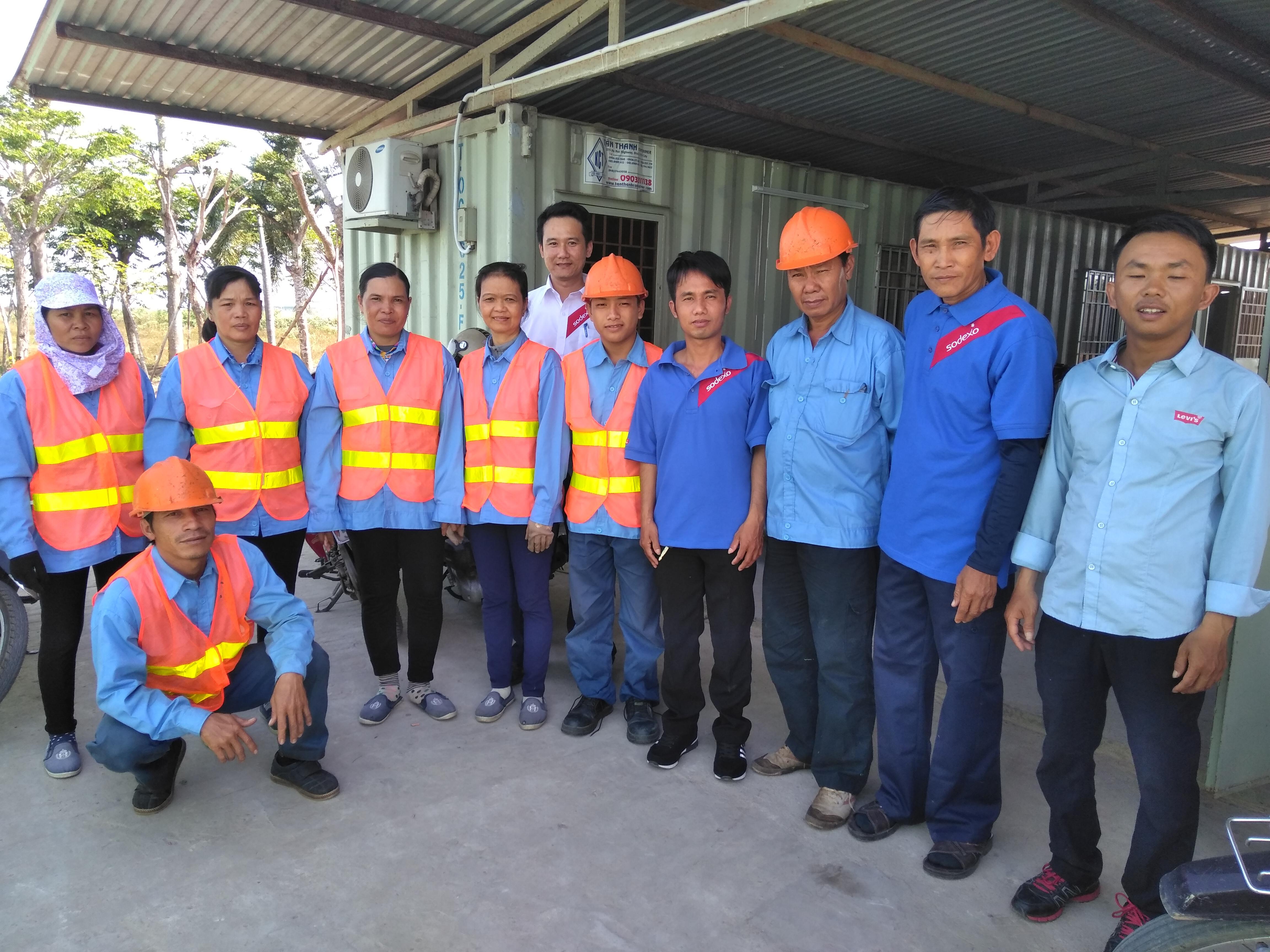 Nhân viên công ty Ngoại Thất Xanh tại Tây Ninh