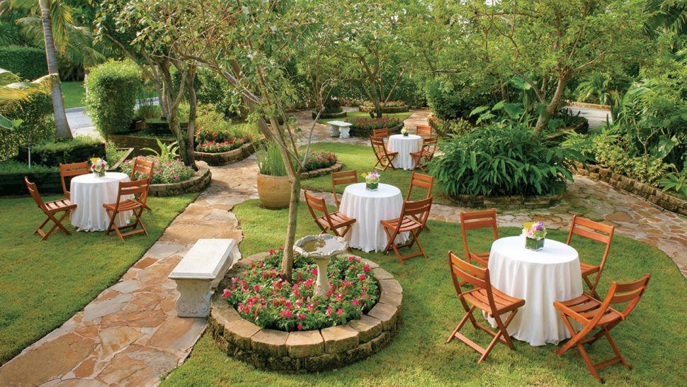 thiết kế thi công sân vườn là tạo ra những khoảng xanh đẹp, giúp mọi người cảm nhận được nét đẹp của thiên nhiên.